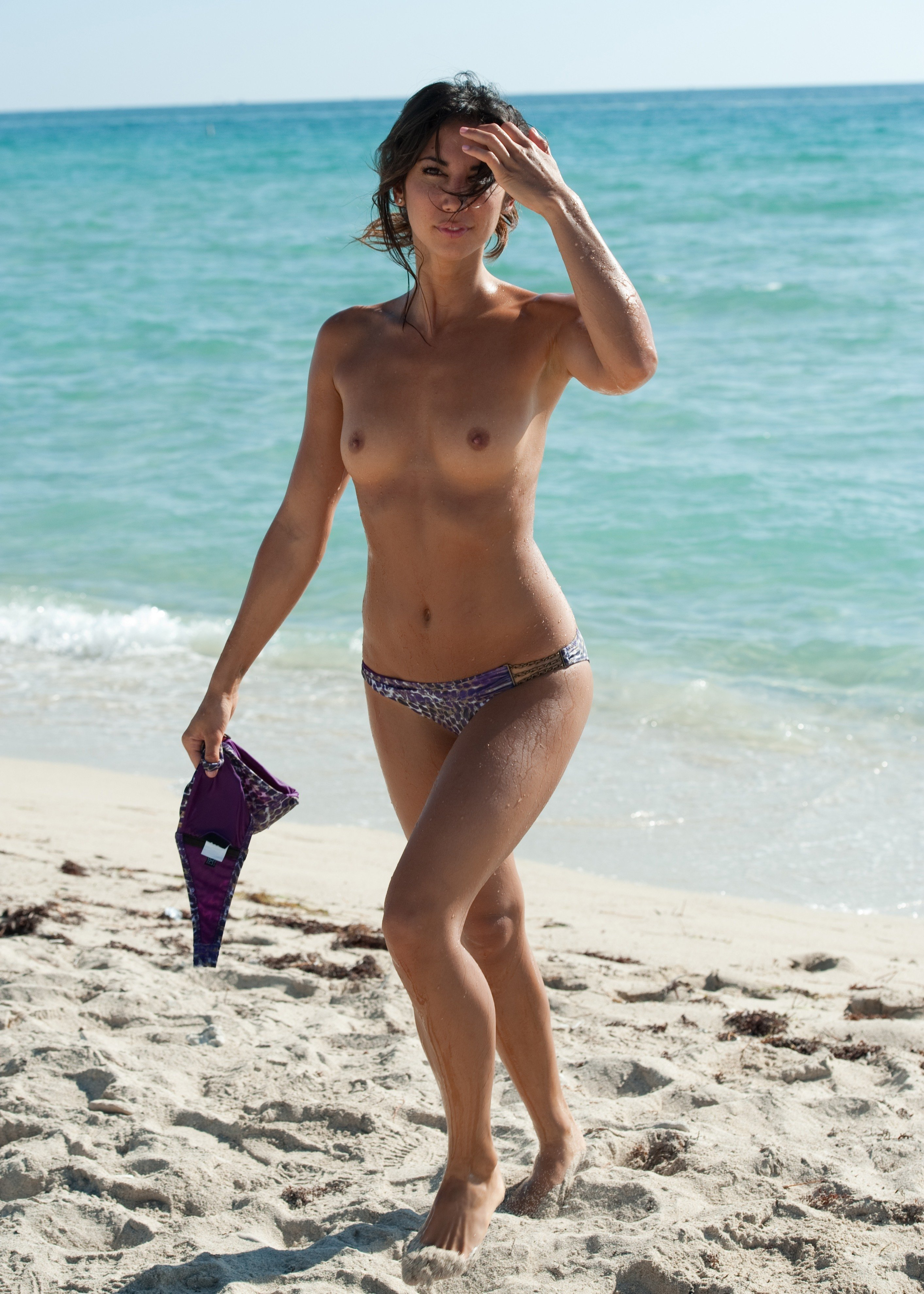 PicRate | Leilani-Dowding-Topless-Beach-Nude-Model-2